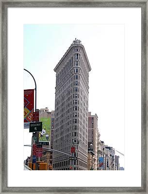 Nyc - The Flatiron Building Framed Print