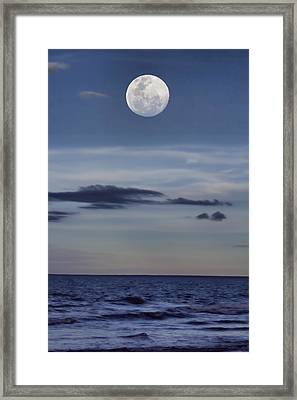 Ocean Moon Framed Print by Douglas Barnard