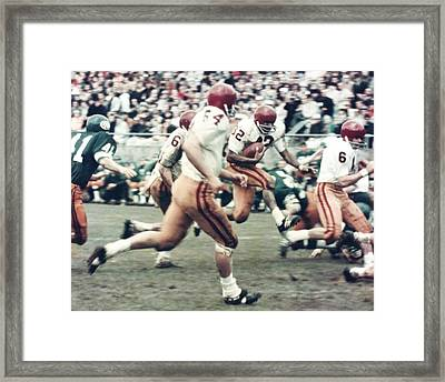Oj Simpson Carrying The Ball At Oregon Framed Print