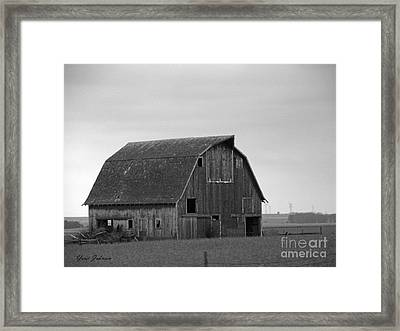 Old Barn In Winter Framed Print by Yumi Johnson