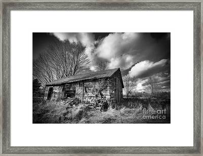 Old Dramatic Barn Hdr Framed Print by Joe Gee