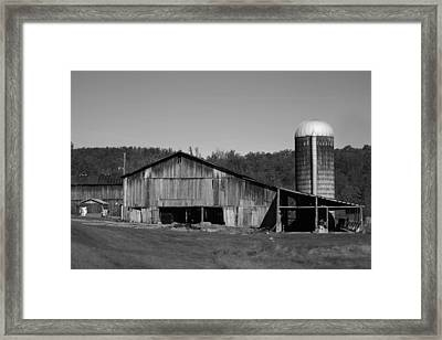 Old Farm Barn In Kentucky Framed Print