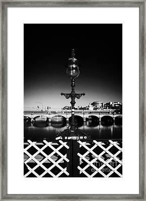 old laomp detail on south portland street suspension bridge over the river clyde Glasgow Scotland UK Framed Print by Joe Fox