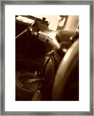 Old Singer Framed Print by Alessandro Della Pietra