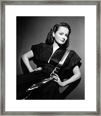 Olivia De Havilland, Paramount Framed Print by Everett