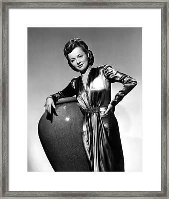 Olivia De Havilland, Warner Brothers Framed Print by Everett