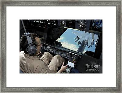 Operator Refuels An F-16 Fighting Framed Print by Stocktrek Images
