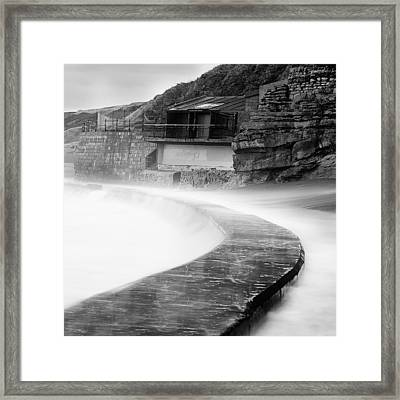 Over The Wall Framed Print by Ian Barber