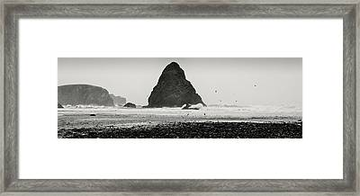 Framed Print featuring the photograph Pacific Whitewash by Kevin Munro
