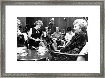Pat Nixon In A Press Conference Framed Print by Everett