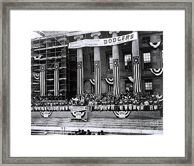 Pennant-winning Reception Framed Print by Photo Researchers, Inc.