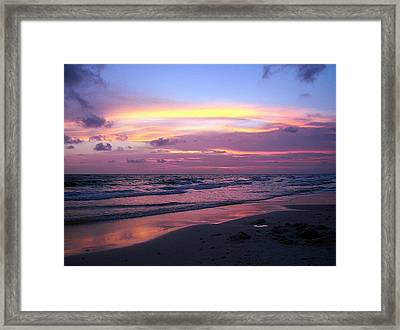 Perfect Ending Framed Print by Susan Medeiros