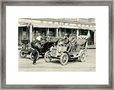 Photographing The Reo Mountaineer 1905 Framed Print