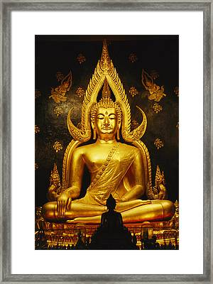 Phra Phuttha Chinnarat Buddha Framed Print by Martin Gray