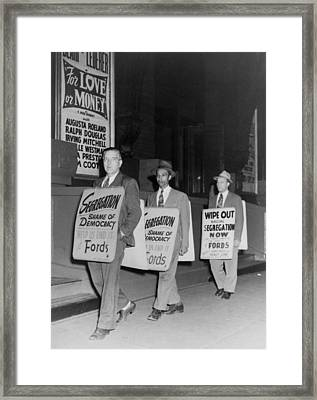 Pickets Protest In Front Of Baltimores Framed Print by Everett