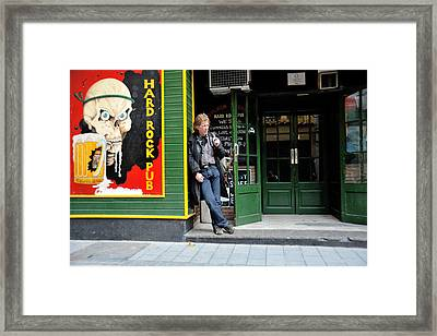 Picture Of A Picture Framed Print by Raul Villalba