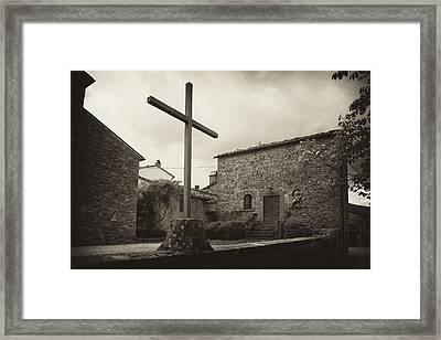 Framed Print featuring the photograph Pieve Di Santa Maria Alla Sovarra by Hugh Smith