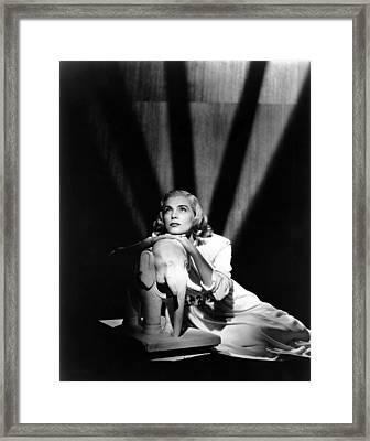 Pitfall, Lizabeth Scott, 1948 Framed Print by Everett