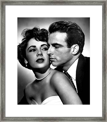 Place In The Sun, Elizabeth Taylor Framed Print by Everett