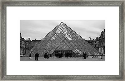 Points Et Lignes Framed Print