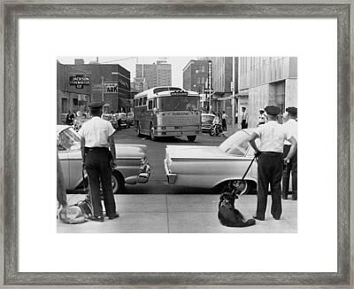 Policemen Watch As Freedom Riders Framed Print by Everett