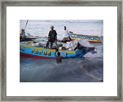 Popoz Framed Print by Makati Janlwi
