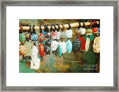 Porte-cles Framed Print