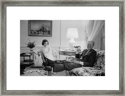 President And Betty Ford In The Living Framed Print