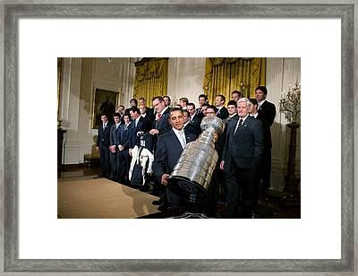 President Barack Obama Lifts Framed Print by Everett