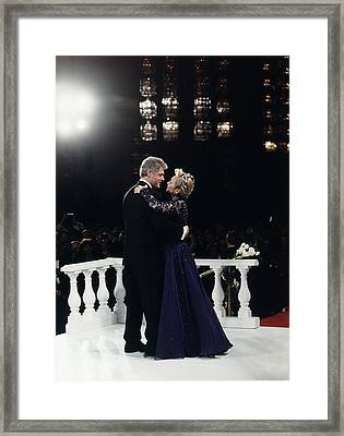 President Bill Clinton And Hillary Framed Print