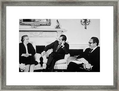President Nixon Henry Kissinger Framed Print by Everett