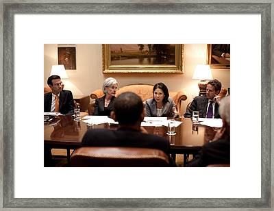 President Obama Listens To Nancy-ann Framed Print by Everett