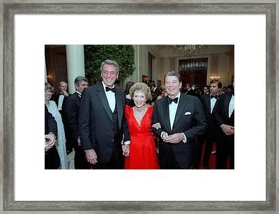 President Reagan And Nancy Reagan Framed Print by Everett