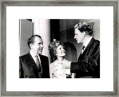 President Richard M. Nixon & First Lady Framed Print by Everett
