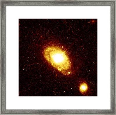 Quasar Pg 0052+251 At The Centre Of A Galaxy Framed Print