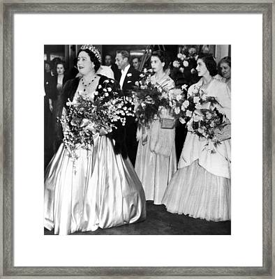Queen Elizabeth, King George Vi Back Framed Print by Everett