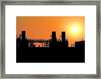 Framed Print featuring the photograph Quitting Time by Mike Flynn