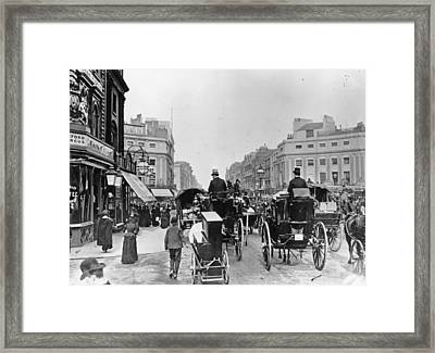 Regent Circus Framed Print by London Stereoscopic Company
