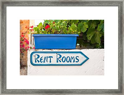 Rent Rooms Sign Framed Print by Tom Gowanlock
