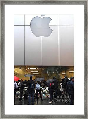 Rip Steve Jobs . October 5 2011 . San Francisco Apple Store Memorial 7dimg8567 Framed Print