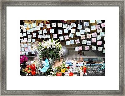 Rip Steve Jobs . October 5 2011 . San Francisco Apple Store Memorial 7dimg8574 Framed Print by Wingsdomain Art and Photography