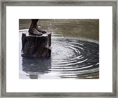 Ripple Feet Framed Print by Lee Versluis