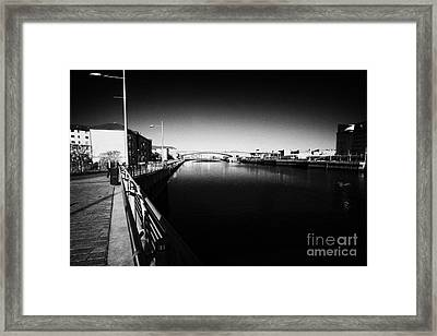 river clyde between anderston and tradeston Glasgow Scotland UK Framed Print by Joe Fox