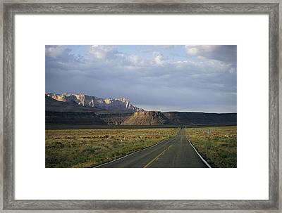 Road In Arizona Framed Print by David Edwards