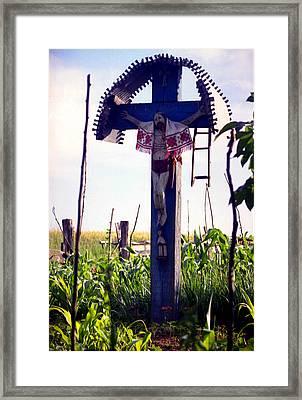 Roadside Crucifix IIi Framed Print