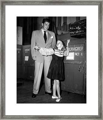 Ronald Reagan, Maureen Reagan, 1947 Framed Print by Everett