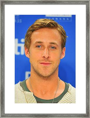 Ryan Gosling At The Press Conference Framed Print by Everett