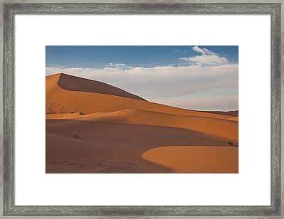 Sahara Sanddunes Framed Print by Leo Keijzer