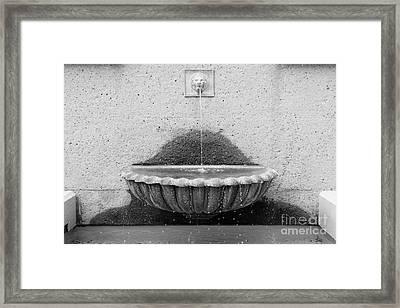 San Francisco Crocker Galleria Roof Garden Fountain - 5d17894 - Black And White Framed Print