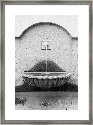 San Francisco Crocker Galleria Roof Garden Fountain - 5d17895 - Black And White Framed Print